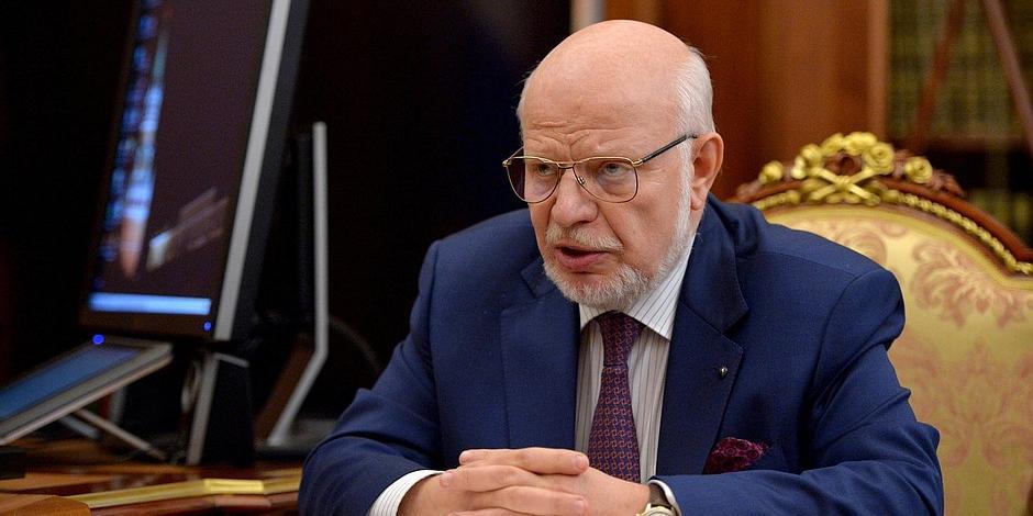 Федотов извинился за драку членов СПЧ Сванидзе и Шевченко