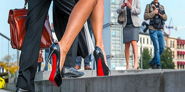 «Кристиан Лабутен» запрещает рекламировать выставку Ван Гога при помощи своих туфель