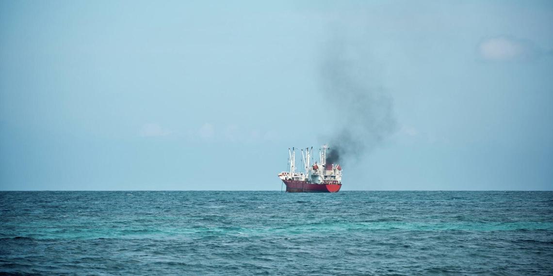 Российский военный фрегат столкнулся с грузовым судном между Швецией и Данией