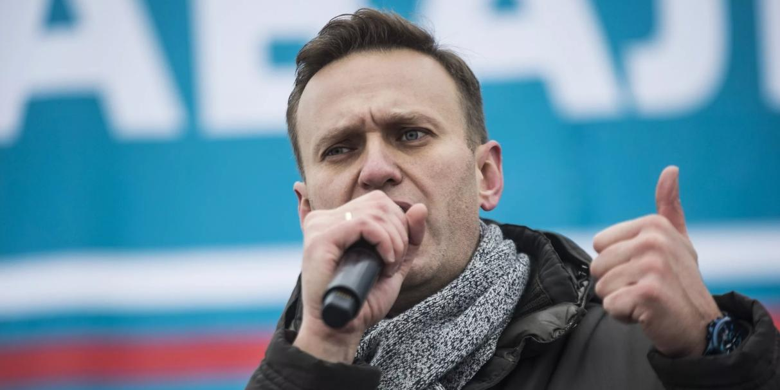 Блогеры заподозрили Навального в связи с властью