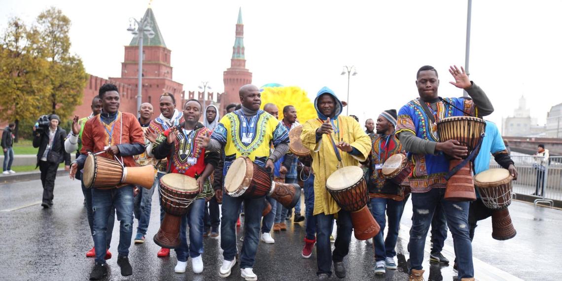 В Москве завершился парад-карнавал ВФМС-2017
