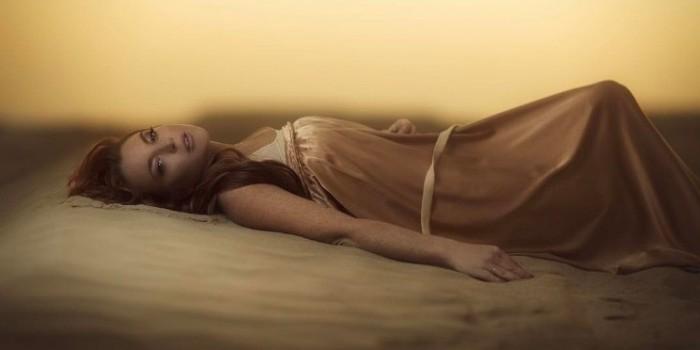 Увлекшуюся исламом Линдси Лохан засняли на пляже в буркини