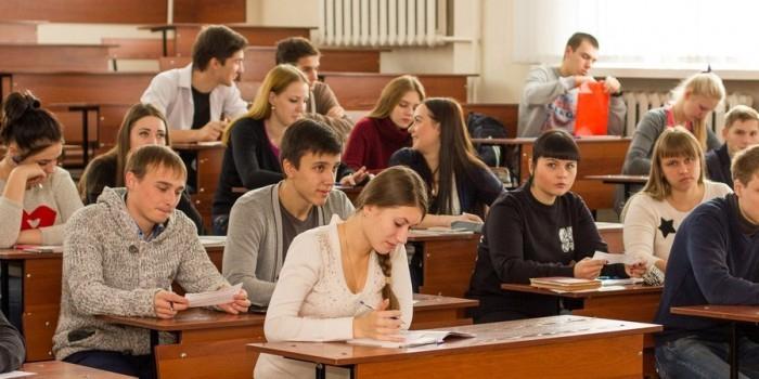 Более 80% российской молодежи поддерживают политику Путина