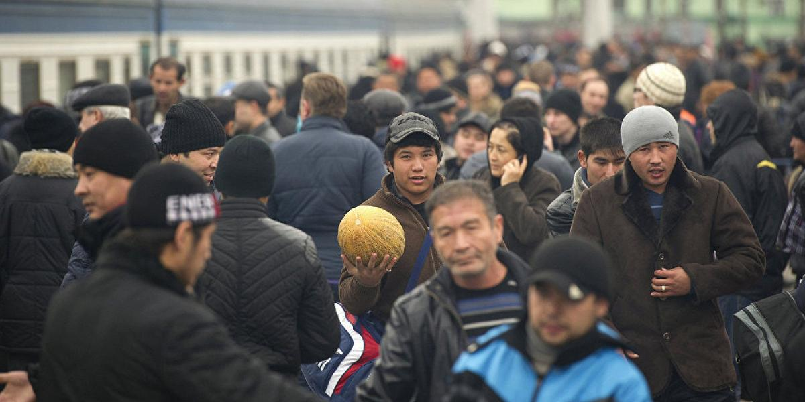 """Каждый десятый мигрант-строитель из Узбекистана поедет трудиться на космодроме """"Восточный"""""""