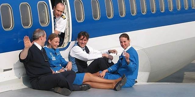 Голландская стюардесса занималась сексом с пилотами прямо во время полетов