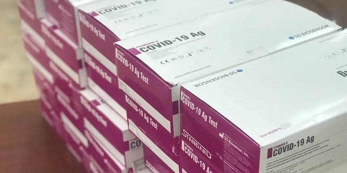 #МыВместе: общественники передали тесты на коронавирус в северный город Киренск