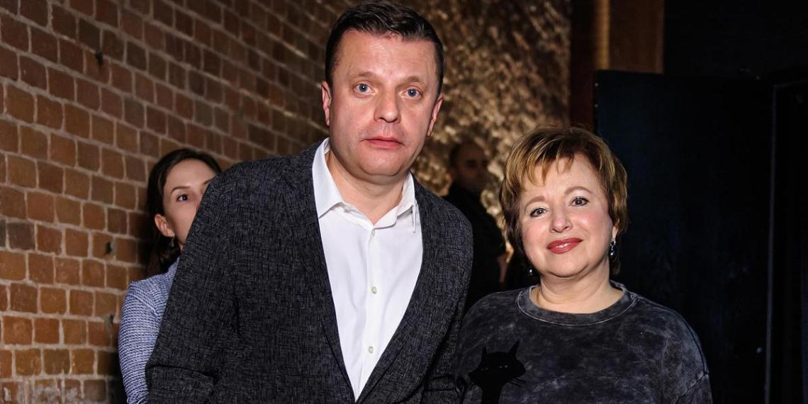 Жена Парфенова объяснила отъезд за рубеж