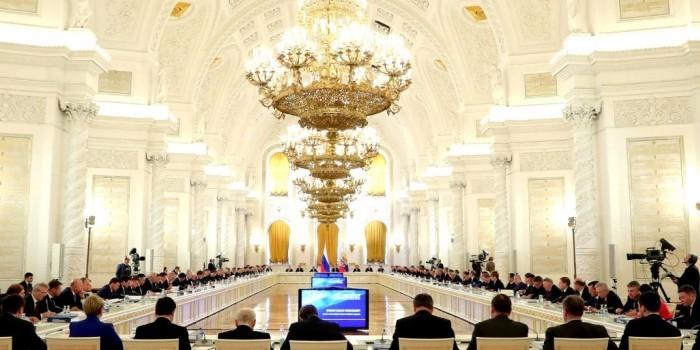 Путин похвалил ОНФ за мониторинг исполнения майских указов