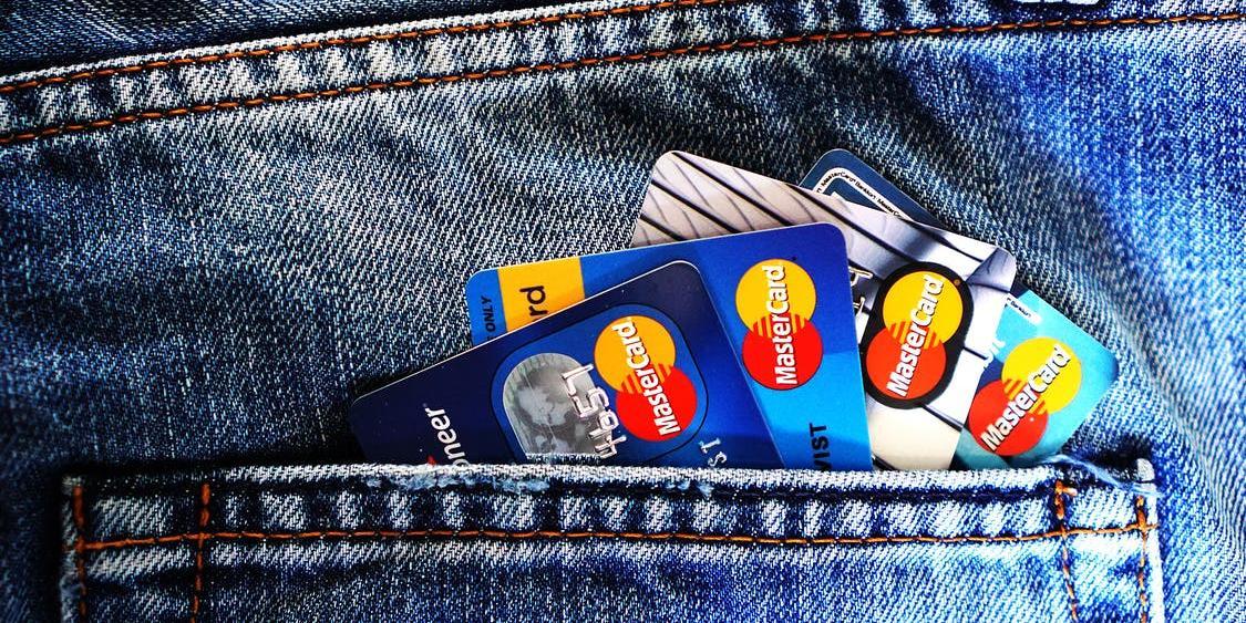 В Кремле не исключают отключения России от MasterCard и Visa