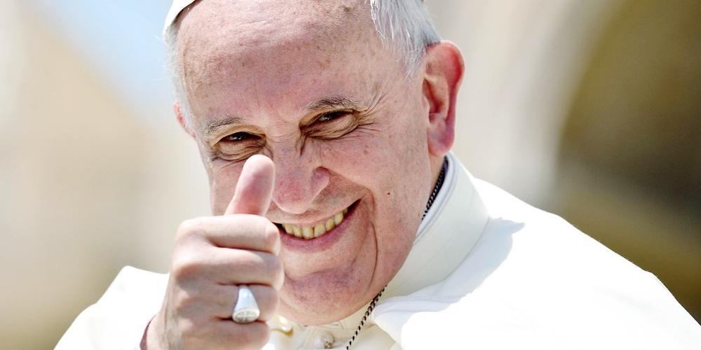 Папа римский признал секс и вкусную еду божественным удовольствием