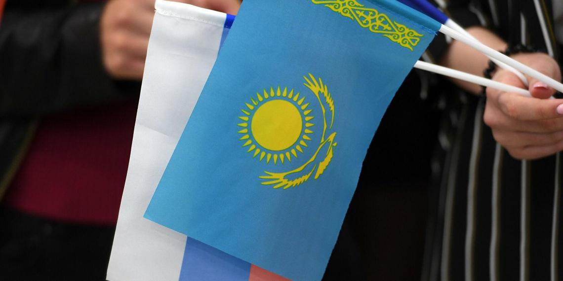 Власти Казахстана прокомментировали рейды против русского языка в стране