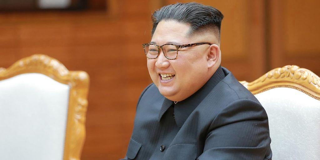 """Ким Чен Ын устраивал кутежи в бронепоезде с девственницами из """"бригады удовольствий"""""""
