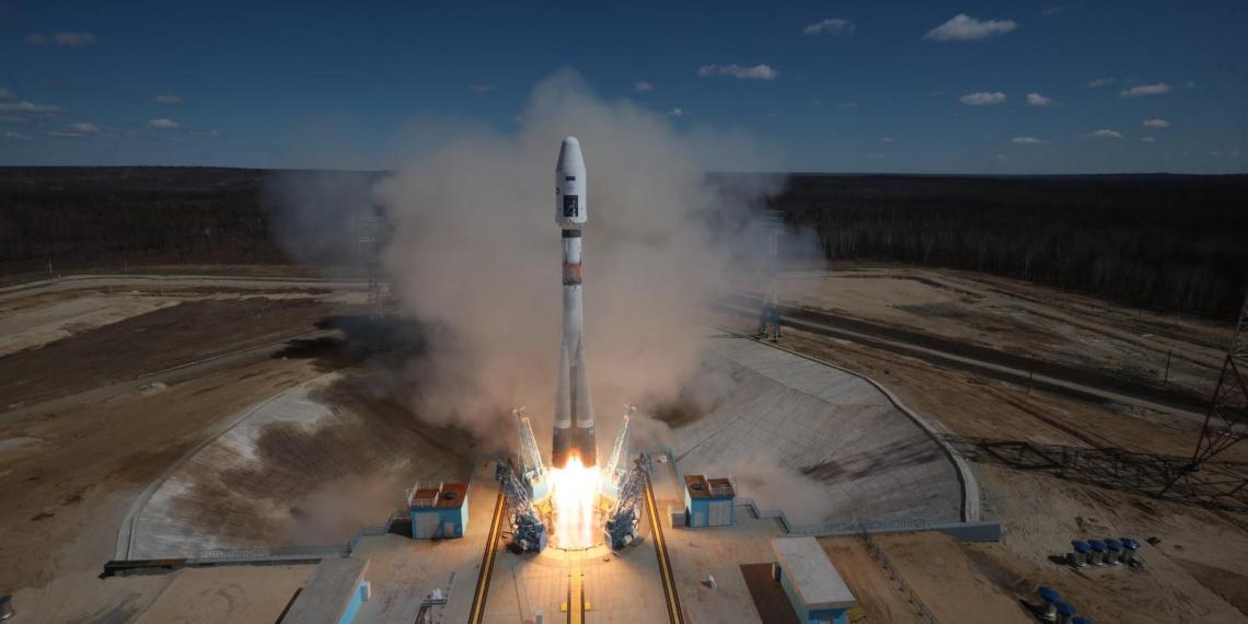 """РКК """"Энергия"""" нашла способ отправиться на Луну без сверхтяжелой ракеты"""