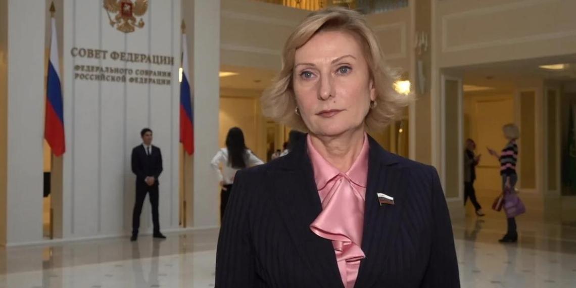 """Сенатор: """"Со стороны государства оказывается адресная помощь миллионам граждан и российских семей"""""""