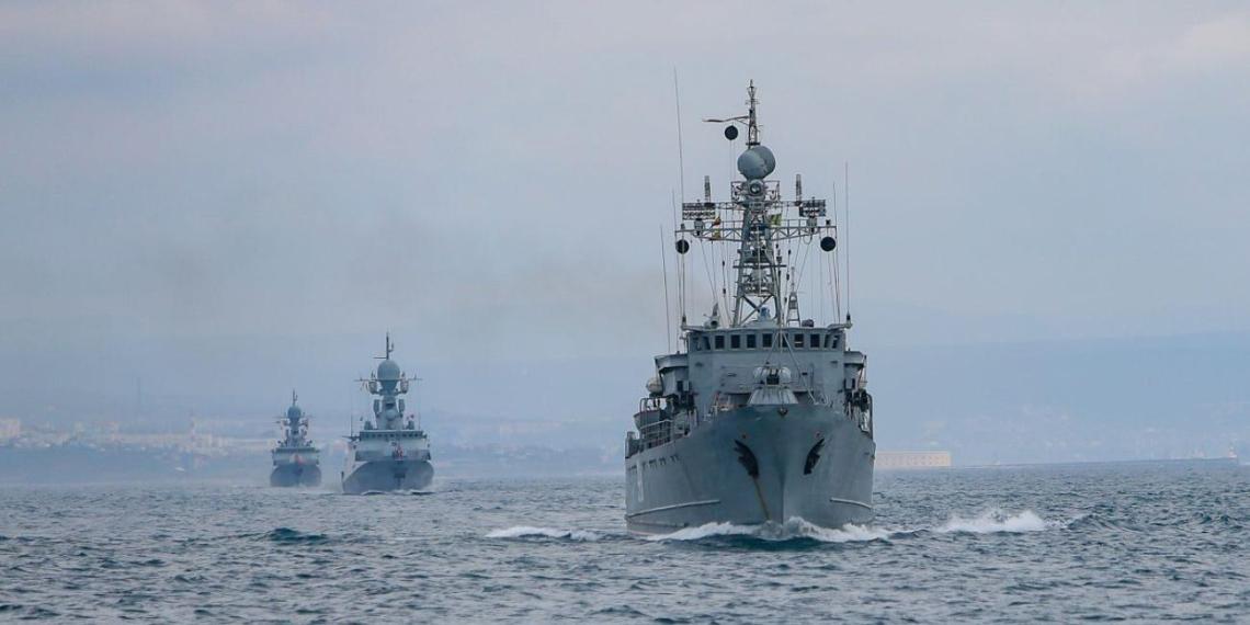 На учениях в Крыму задействованы 10 тыс. военнослужащих и 40 боевых кораблей