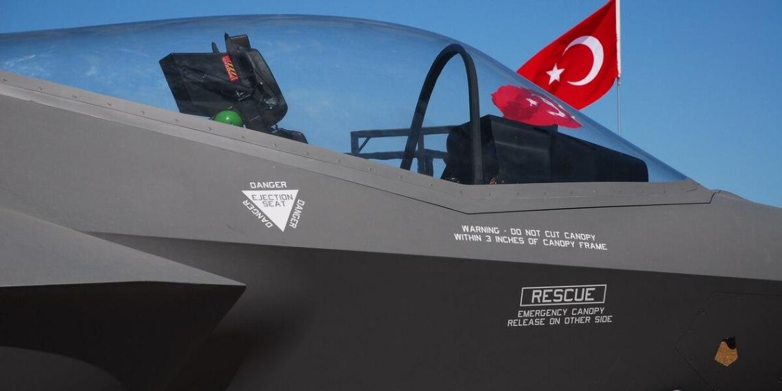 США передадут предназначенные для Турции F-35 ее противнику