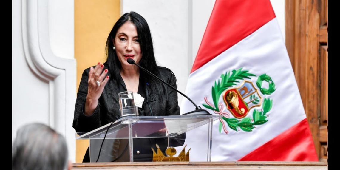 Министр иностранных дел Перу подала в отставку из-за вакцинации вне очереди
