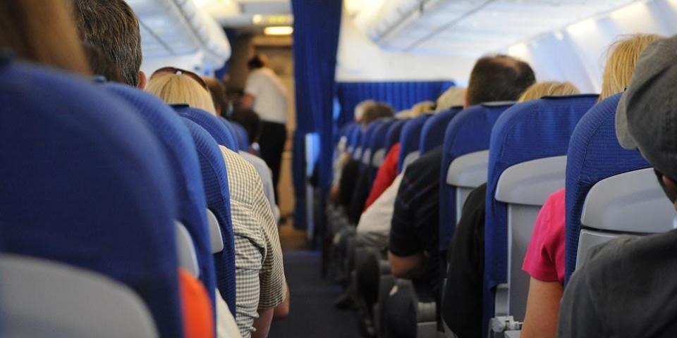 Стюардессы рассказали о самых отвратительных поступках российских пассажиров