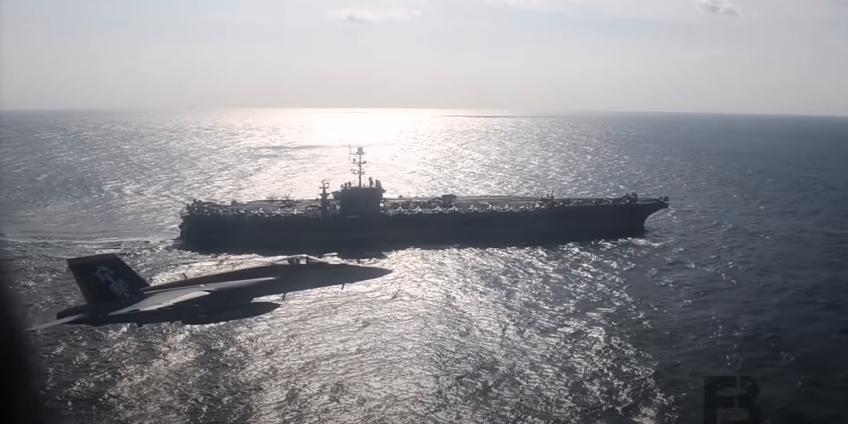Российский Ил-38 вызвал переполох на американском авианосце и попал на видео