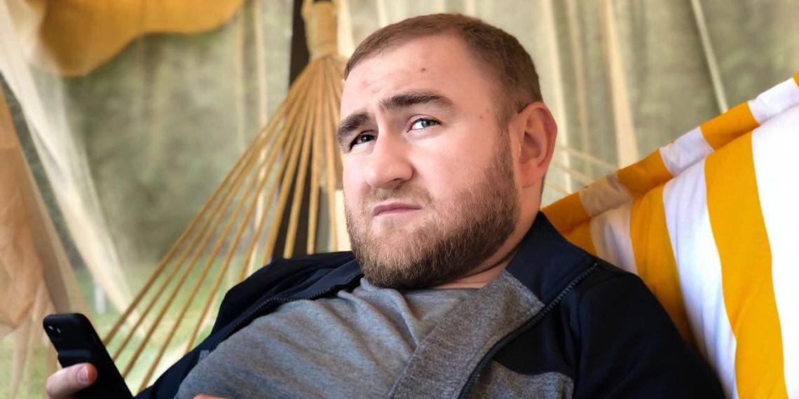 Спустя 4 месяца после ареста Совфед лишил Арашукова полномочий
