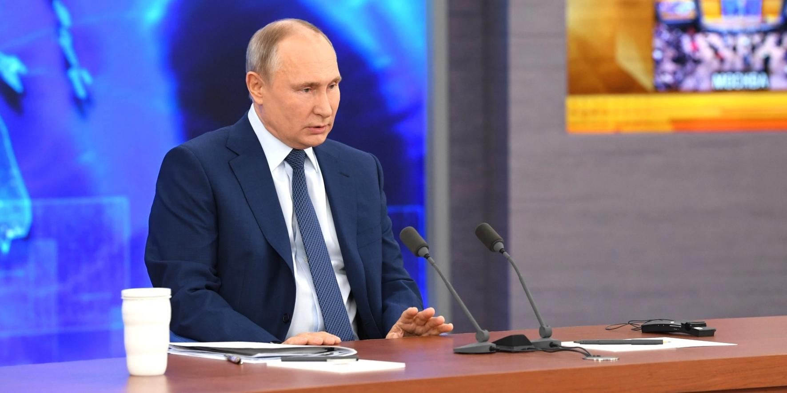 Президент: Россия справляется с трудностями лучше, чем другие страны