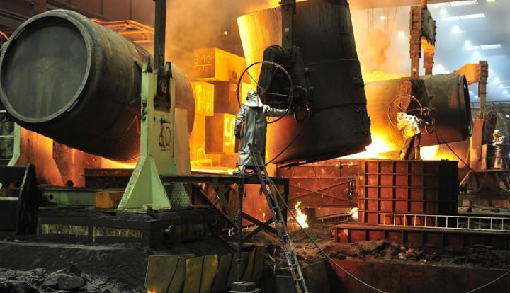 Падение рубля отрицательно скажется на Индии, но поможет российской стали