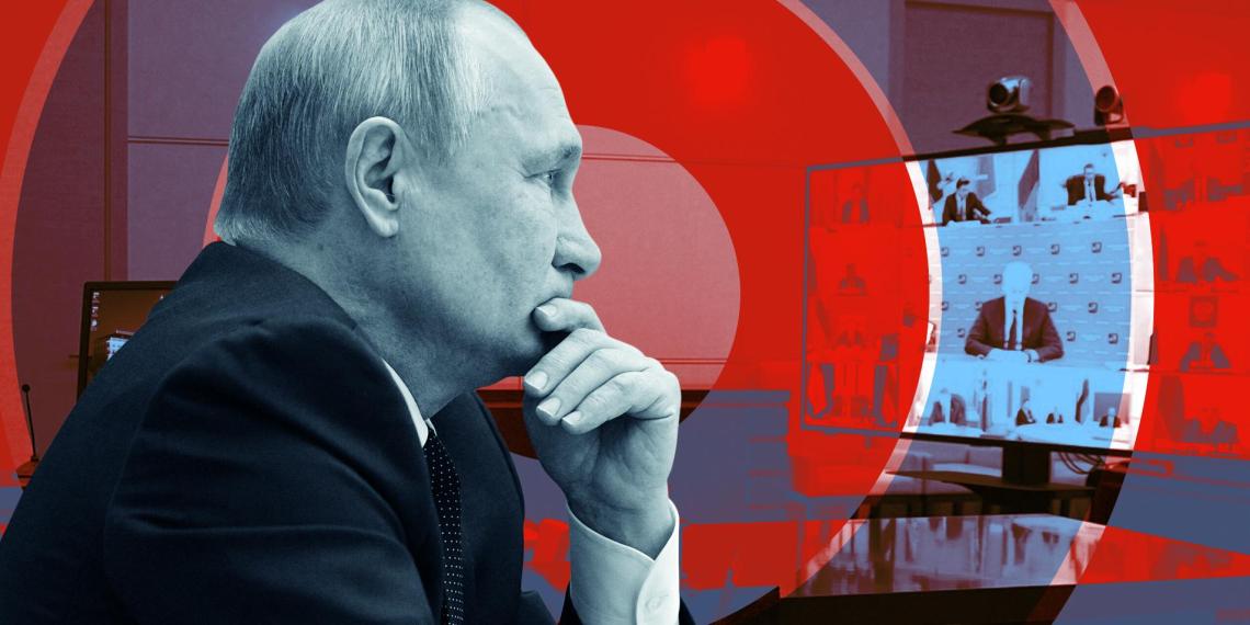 Надбавки, кредитные каникулы, страховые гарантии: кому Путин пообещал поддержку в новом обращении