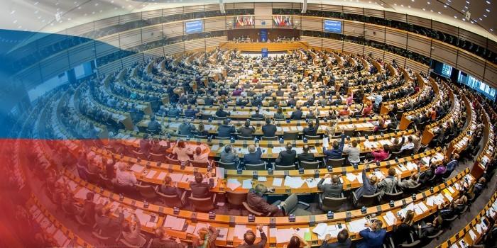 Депутаты Европарламента призвали снять санкции с глав российских спецслужб