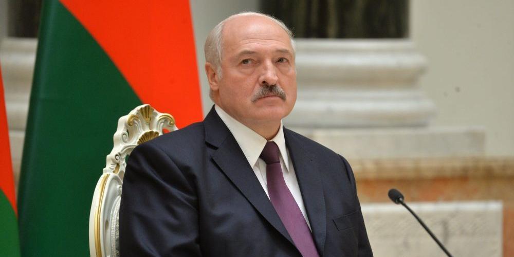 Лукашенко сравнил число жертв коронавируса и алкоголизма
