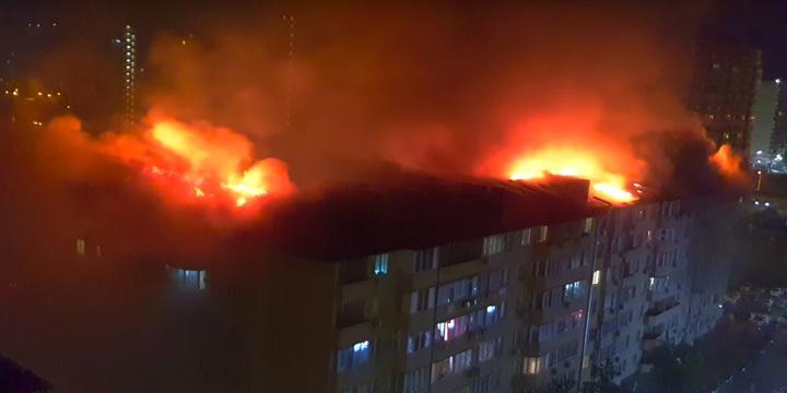Жуткий пожар в краснодарской многоэтажке попал на видео