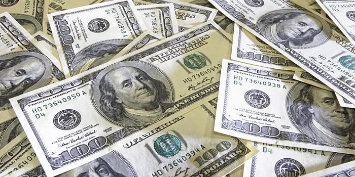 Credit Suisse: в течение года доллар укрепится сильнее всего