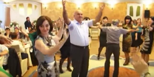 """Глава Верховного суда Дагестана назвал песню """"Кайфуем"""" гимном своего ведомства"""