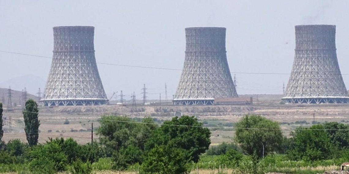 Минобороны Азербайджана готово нанести ракетный удар по атомной станции в Армении