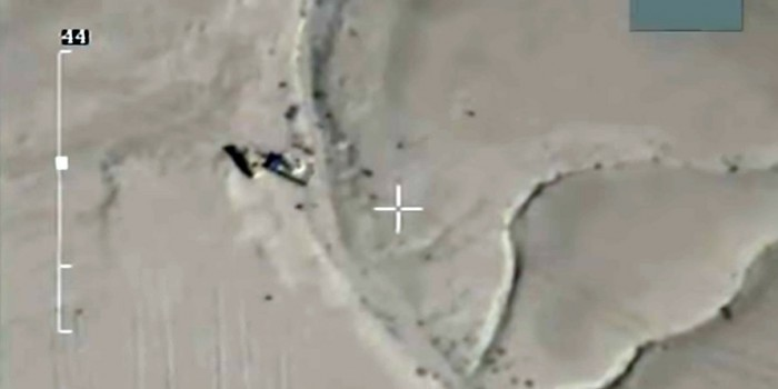 Опубликовано видео атаки российских ВКС на танки ИГИЛ