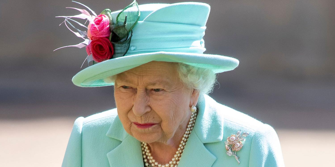 Британскую королеву уличили в расовой дискриминации в течение десятилетий