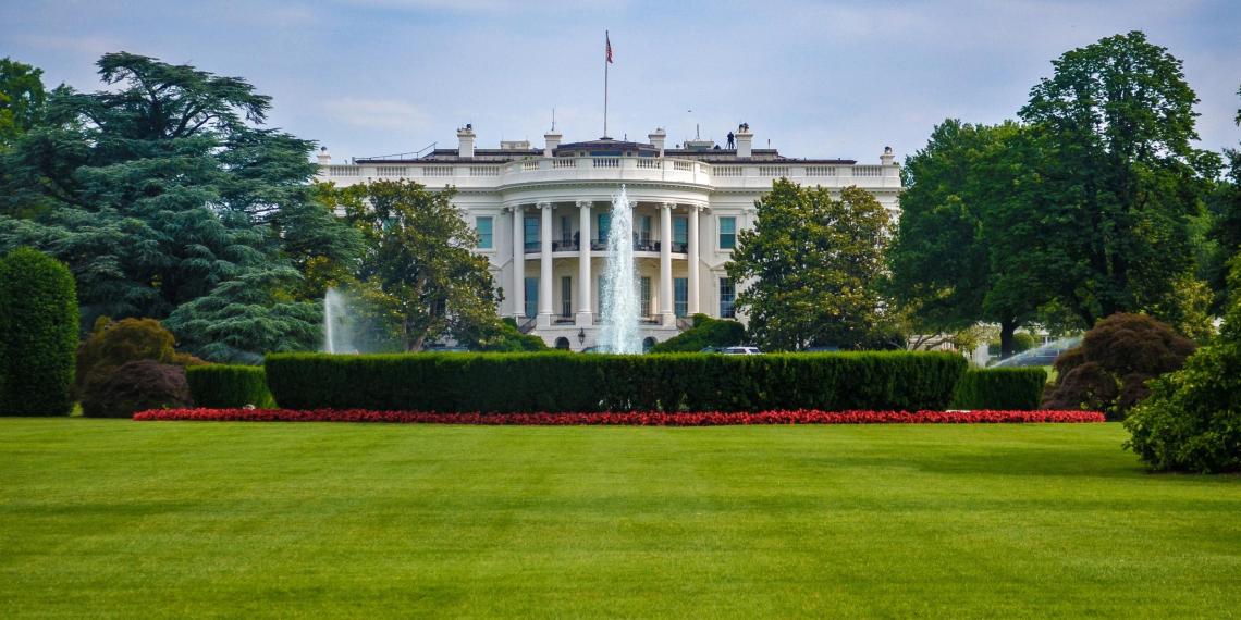 Белый дом вычеркнул из стенограммы слова о поддержке вступления Украины в НАТО