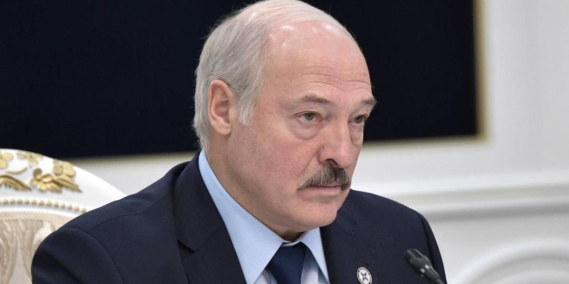 """Минск продолжит переплачивать за нефть, чтобы """"не стоять на коленях"""" перед Россией"""