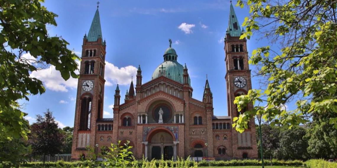 В Вене 50 исламистов напали на католическую церковь