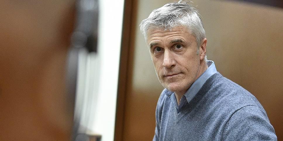 """Обвинение просит для Майкла Калви 6 лет условно за хищение 2,5 млрд у банка """"Восточный"""""""