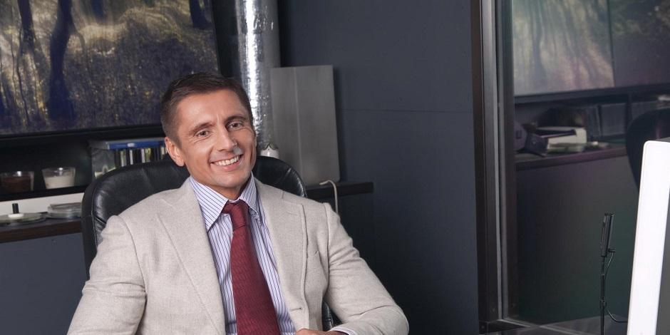 Москвичи возмутились откровенными фото муниципального депутата