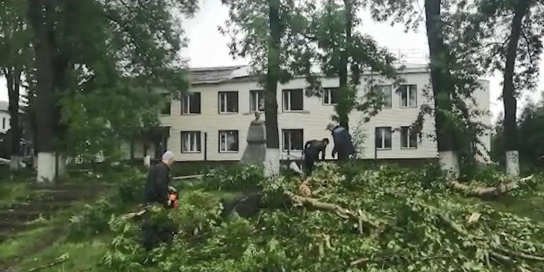 В Курской области ураган повредил крыши более двух десятков домов