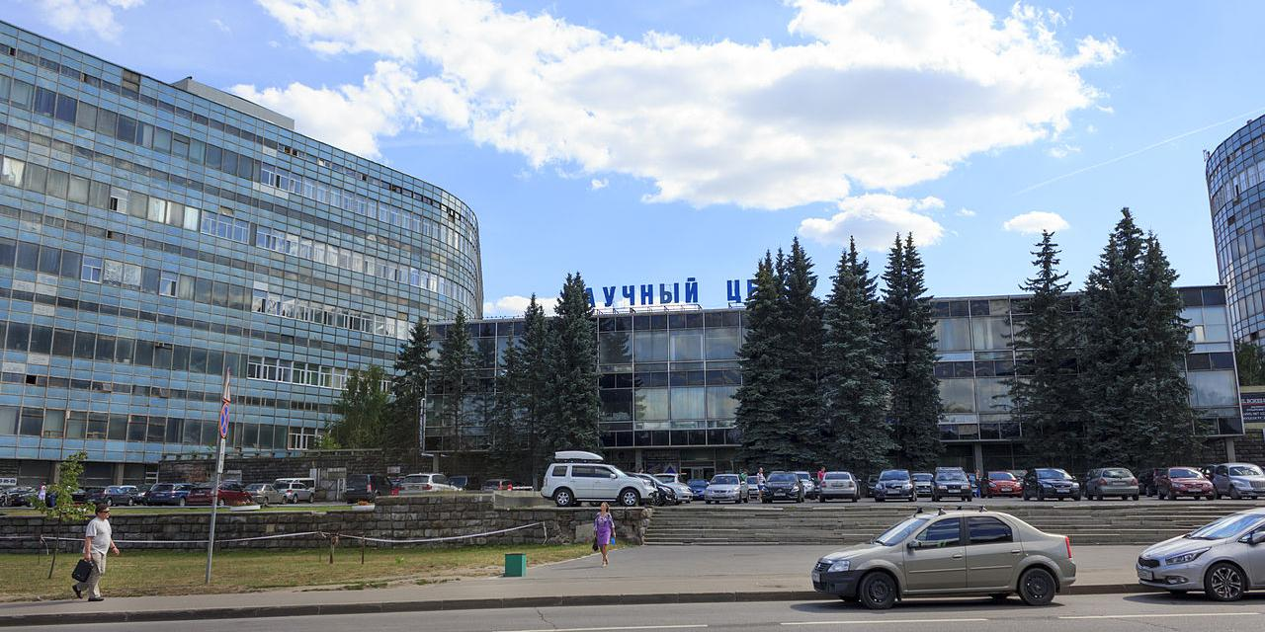 Участники квеста пробрались в комнату с ценностями на миллиард рублей