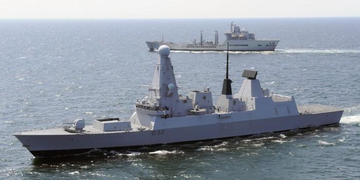 Шесть новейших миноносцев ВМС Великобритании вышли из строя из-за теплой воды