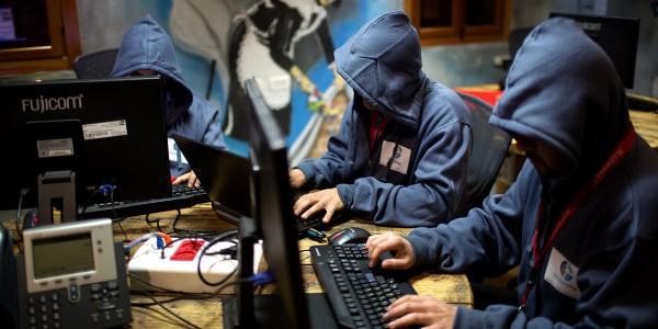 """Американским хакерам удалось взломать """"систему командования Кремля"""""""
