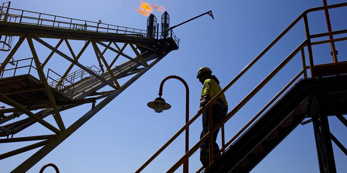 Цена нефти Brent впервые с 2014 года превысила 77 долларов