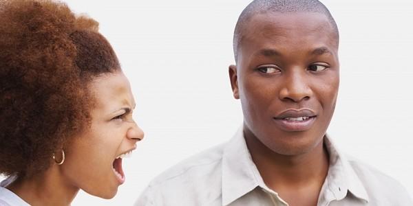 Южноафриканка трахнула мужа по голове, испугавшись его огромного пениса