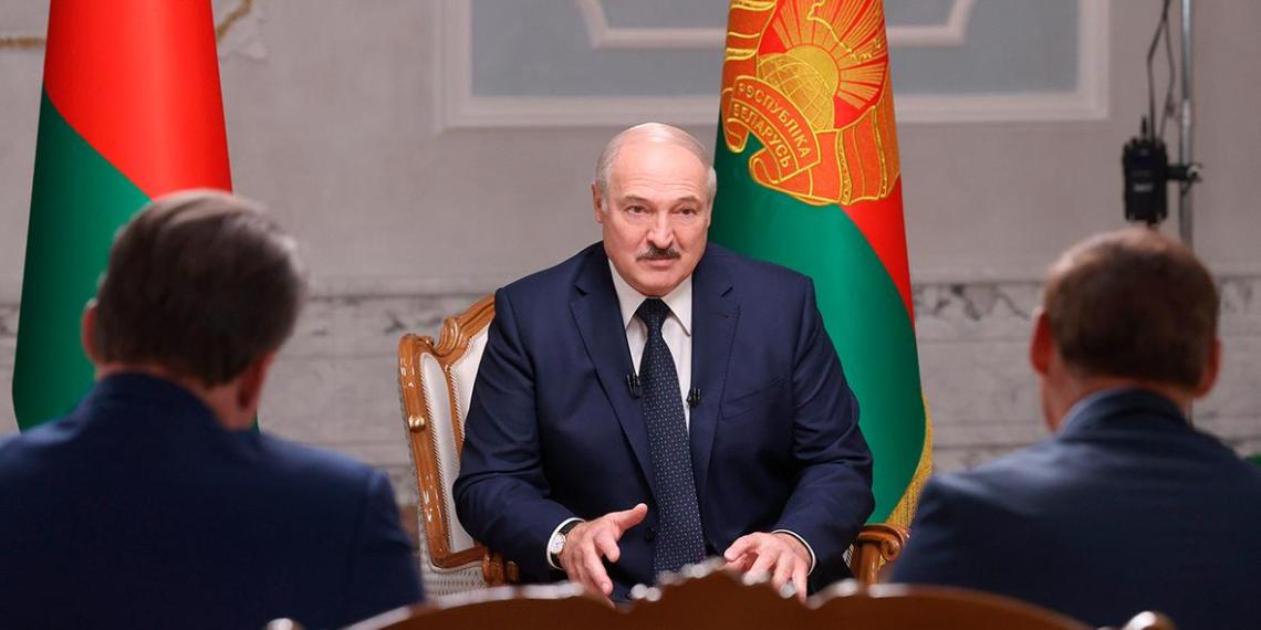 Лукашенко заявил о неизвестной части перехваченной беседы о Навальном