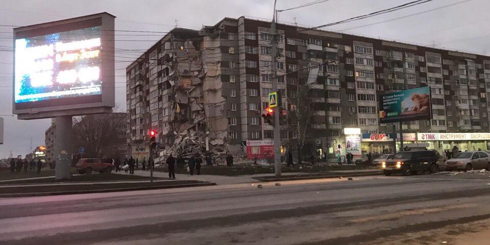 В Ижевске рухнул подъезд девятиэтажки