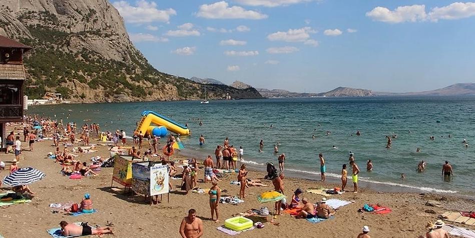 Крымчане назвали регионы с самыми раздражающими туристами