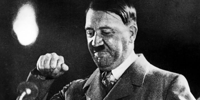 Австрийские власти обеспокоены появлением двойника Гитлера в его родном городе